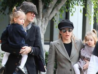 Φωτογραφία για Η κόρη του Presley βρήκε στο pc του πρώην άνδρα της άσεμνες φωτογραφίες των δίδυμων κοριτσιών τους! Σοκάρει η ομολογία της!