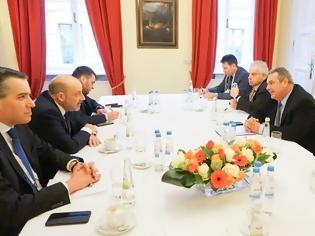 Φωτογραφία για Συνάντηση ΥΕΘΑ Πάνου Καμμένου με τον ΥΠΑΜ του Λιβάνου στη διάρκεια της 53ης Διάσκεψης Ασφαλείας στο Μόναχο