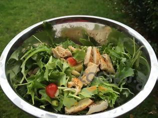 Φωτογραφία για Η συνταγή της Ημέρας: Πράσινη σαλάτα με ψητό κοτόπουλο