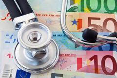 Πόσα πληρώνει ο ΕΟΠΥΥ για ιατρικές επισκέψεις; Τα κονδύλια και οι ανάγκες