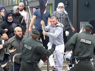 Φωτογραφία για Ερχεται και στην Ελλάδα: Η Γερμανική κυβέρνηση «τοποθετεί» μουσουλμάνους πρόσφυγες σε οικίες Γερμανών πολιτών!