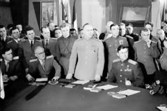 Δεν υπάρχει χώρα.. κράτος Γερμανία... ΑΝΩΝΥΜΗ ΕΤΑΙΡΕΙΑ, είναι..Mία χώρα υπό Αμερικανική κατοχή από το 1945.