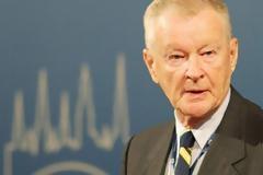 Πέθανε ο Ζμπίγκνιου Μπρεζίνσκι, πρώην σύμβουλος εθνικής ασφαλείας του Λευκού Οίκου στα 89 του χρόνια