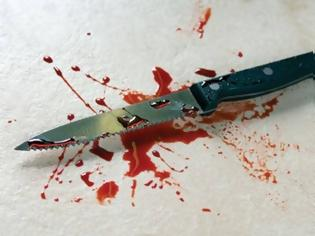 Φωτογραφία για Φρικτό έγκλημα γυναίκας στο Αττικό: Ο πρώην την κατακρεούργησε με 16 μαχαιριές - Του έβγαλαν τα δόντια γιατί…