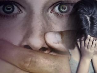 Φωτογραφία για Την ενοχή των δύο Βρετανών πρότεινε ο εισαγγελέας για τον βιασμό