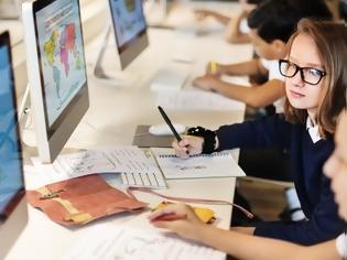 Φωτογραφία για Γιατί η χώρα που είχε το καλύτερο εκπαιδευτικό σύστημα στον κόσμο ετοιμάζεται να το αλλάξει