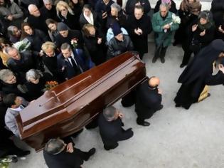 Φωτογραφία για Απίστευτο: Ο νεκρός Διαμαντής μίλησε LIVE στον αέρα εκπομπής - Μόνο στην Ελλάδα γίνονται αυτά [video]