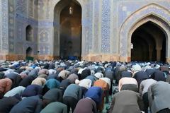 Δεν σέβονται τίποτα - Δείτε που θέλουν να προσκυνήσουν οι Μουσουλμάνοι…