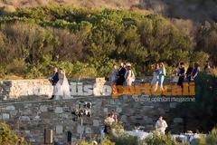 Ο γάμος της κόρης του Καραβέλα της Siemens στην βίλα της Αντιπάρου