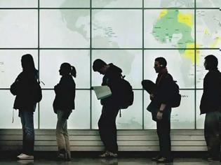 Φωτογραφία για Φεύγουν κατά χιλιάδες οι συμφεροντολόγοι από την χώρα... Προτιμούν το συμφέρον τους από την πατρίδα..