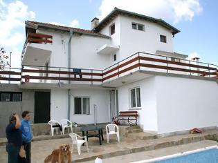 Φωτογραφία για Αυτή είναι η Βίλα της Βουλγαρίας που νοικιάζεται για 2.000 ευρώ το μήνα - Δείτε εικόνες από το εσωτερικό της