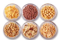 Τα δημητριακά ολικής αλέσεως μειώνουν τον κίνδυνο για καρκίνο του παχέος εντέρου, ενώ τα κρέατα τον αυξάνουν