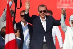 Εμινέ, η σκοτεινή κυρία Ερντογάν -Τα πάθη της γυναίκας που μόνο δημοσίως είναι ένα βήμα πίσω από τον Σουλτάνο