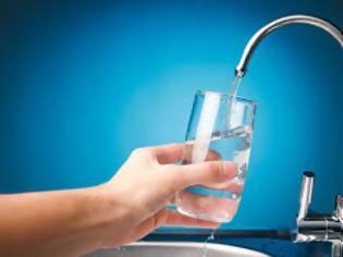Φωτογραφία για Το νερό της βρύσης συνδέεται με το Αλτσχάιμερ; Τι δείχνεις νέα έρευνα