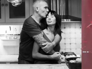 Φωτογραφία για Πρόταση γάμου από τον Ρόκκο στη «Λελέ» της καρδιάς του!(ΑΝΤΕ ΠΑΛΙ).