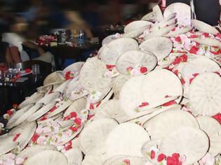 Φωτογραφία για Γνωστή παρουσιάστρια πήγε στα μπουζούκια και νόμιζε τα λουλούδια είναι δωρεάν! Εκανε 20.000 λογαριασμό! (video)