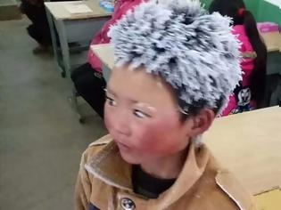 Φωτογραφία για Πάνω από 280.000 ευρώ δωρεές για το «παγωμένο αγόρι» στην Κίνα