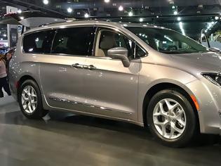 Φωτογραφία για Fiat Chrysler ανακοίνωσε την ανάκληση 162.000 μίνιβαν λόγω σφάλματος στο λογισμικό