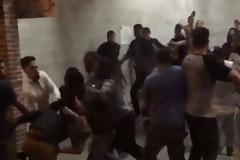 Σοβαρά επεισόδια με ρόπαλα και τσεκούρια μεταξύ αθίγγανων και Αλβανών στην Ηλεία