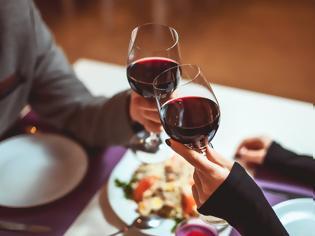 Φωτογραφία για Για ποιο λόγο δεν πρέπει να πίνουν κρασί οι χορτοφάγοι;