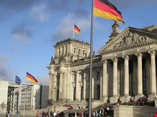 Φωτογραφία για Μεγάλη μέρα για τη Γερμανία: Οι Σοσιαλδημoκράτες αποφασίζουν για τη συμμετοχή τους στην κυβέρνηση