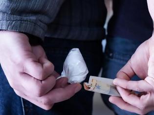 Φωτογραφία για Χειροπέδες σε πέντε άτομα για διακίνηση ναρκωτικών στη Θεσσαλονίκη