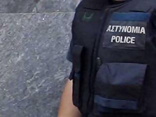 Φωτογραφία για Αγρίνιο: Μαθητής επιτέθηκε σε αστυνομικό – Επεισόδια και ύβρεις στην πλατεία Χατζοπούλου