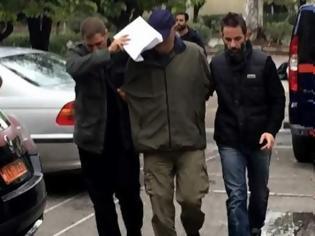 Φωτογραφία για Δολοφονία στην Πανόρμου: «Ο χρυσαυγίτης αστυνομικός ήταν ο τρόμος της γειτονιάς» κατέθεσε ο αδελφός του θύματος