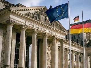 Φωτογραφία για Κομισιόν: Η Γερμανία παραβιάζει περισσότερο από κάθε άλλη χώρα το δίκαιο της ΕΕ