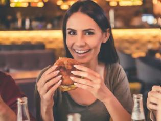 Φωτογραφία για O πιο αποτελεσματικός τρόπος να αντιμετωπίσεις την εμμονή σου με το φαγητό