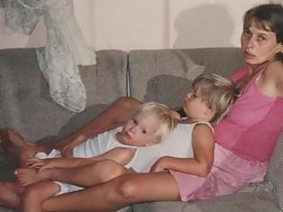 Φωτογραφία για Το καθηλωτικό μήνυμα μιας μαμάς που απέδρασε από τον εφιάλτη της ενδοοικογενειακής βίας