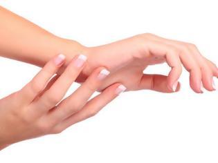 Φωτογραφία για Οι γυναίκες έχουν πιο βρώμικα χέρια απο τους άντρες
