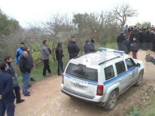 Φωτογραφία για Ανακωχή αστυνομίας με τους κατοίκους της Χίου μέχρι τη δικαστική απόφαση για τους οικίσκους στο hotspot της  ΒΙΑΛ [Εικόνες]