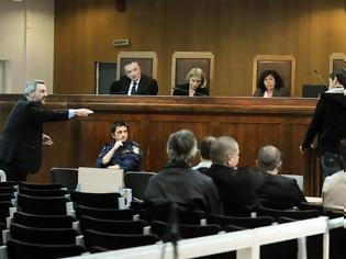 Φωτογραφία για Ανάγνωση εγγράφων στη δίκη της ΧΑ - Ολοκληρώθηκαν οι καταθέσεις μαρτύρων κατηγορίας
