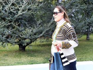 Φωτογραφία για Άβαφη και ατημέλητη η Ελεονώρα Μελέτη στον 7ο μήνα εγκυμοσύνης! Το ψώνια για το μωράκι της και η κοιλίτσα τούρλα!