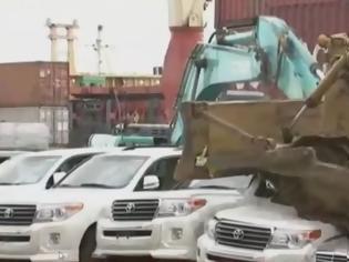 Φωτογραφία για Πρόεδρος κατέστρεψε τα αυτοκίνητα αξία 1,2 εκατομμυρίων...