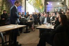 Ο Μητσοτάκης μίλησε στους επαγγελματίες της Χαλκίδας και ...για την Novartis (ΦΩΤΟ)