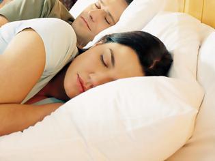 Φωτογραφία για Θέσεις ύπνου όταν πονάει η μέση