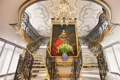 Ένα πλωτό παλάτι στο πνεύμα του μπαρόκ - Οι εικόνες σε ταξιδεύουν...