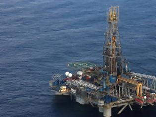 Φωτογραφία για Κύπρος: Τουρκικά πλοία συνεχίζουν να παρεμποδίζουν το γεωτρύπανο της ΕΝΙ