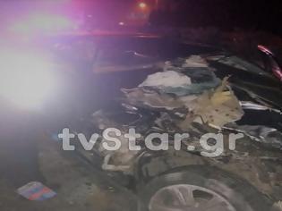 Φωτογραφία για Αυτοκίνητο καρφώθηκε σε νταλίκα στο Μαρτίνο - Νεκρός ο οδηγός