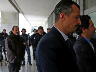 Φωτογραφία για Συζητήθηκε στο ΣτΕ η αίτηση για άρση του ασύλου ενός από τους 8 Τούρκους αξιωματικούς