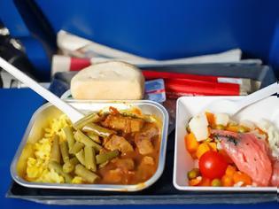 Φωτογραφία για Γιατί οι πιλότοι δεν τρώνε αυτά που σερβίρονται στους επιβάτες