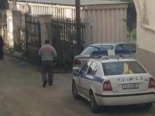 Φωτογραφία για Πάτρα: Αυτοπυροβολήθηκε στο διπλανό δωμάτιο από το παιδί του γιατί δεν άντεχε το διαζύγιο!