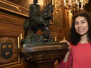 Φωτογραφία για Γαλλία: Ακροδεξιό bullying στη 17χρονη που θα παίξει τη Ζαν Ντ' Αρκ