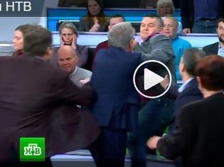 Φωτογραφία για Μπουνιές live στο πλατώ μεταξύ Ρώσου παρουσιαστή και Ουκρανού [video]