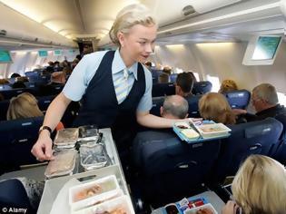 Φωτογραφία για Αεροσυνοδοί διηγούνται παράλογες απαιτήσεις επιβατών εν ώρα πτήσης