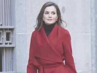 Φωτογραφία για Βασίλισσα Letizia: Λέει ναι στο total red και εντυπωσιάζει