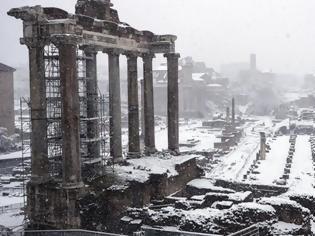 Φωτογραφία για Ρώμη: Η σφοδρότερη χιονόπτωση των τελευταίων 6 ετών – Στα λευκά το Κολοσσαίο