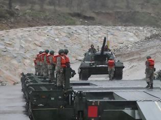 Φωτογραφία για Εντονη πολεμική κινητικότητα των Τούρκων στον Εβρο: Βγήκε ο Στρατός εκτός στρατοπέδων – Διαψεύδει «υπερσυγκέντρωση» το ΓΕΕΘΑ